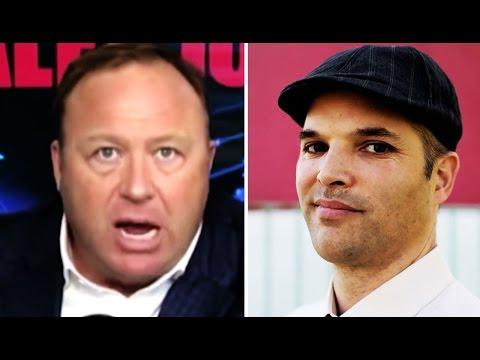 Alex Jones Starts MAJOR BEEF With Matt Taibbi, Brings Back the 'Juice Boxes Make Frogs Gay' Thing