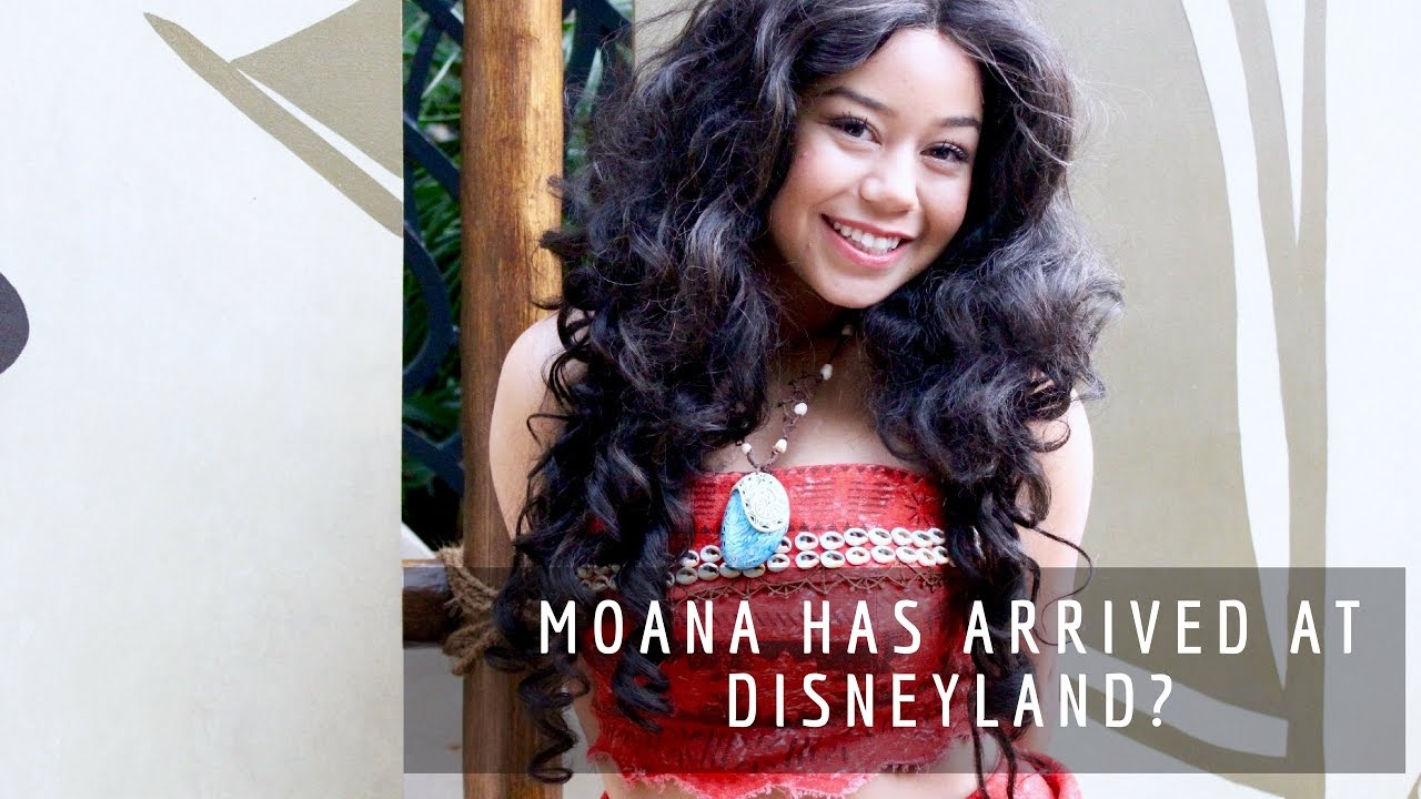 Moana Has Arrived At Disneyland Meeting Up With Soul Queen Youtube