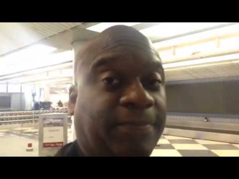 Getting Bag At United Airlines Baggage Claim O'Hare