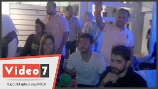 نجوم ستار أكاديمى يشجعون الأهلى فى مقهى بمصر الجديدة