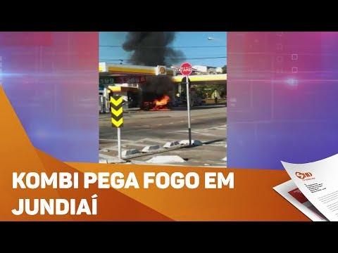 Kombi pega fogo em Jundiaí - TV SOROCABA/SBT