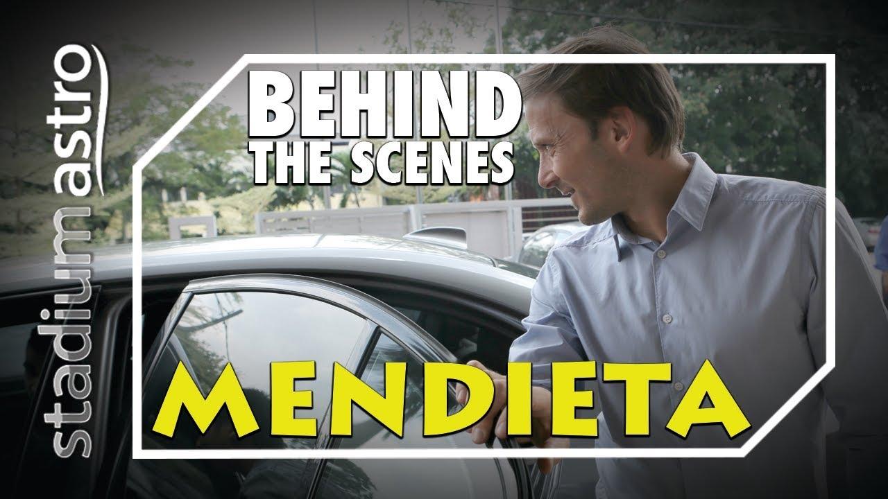 Gaizka Mendieta - Behind The Scenes | Express | Astro SuperSport - YouTube