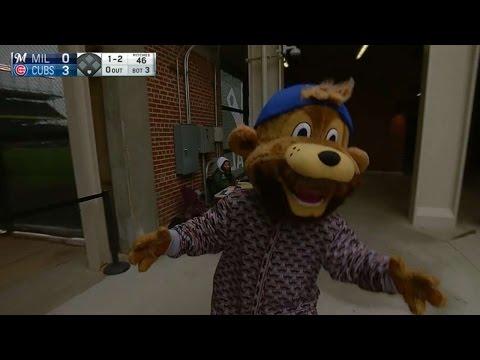 cubs-mascot-clark-becomes-'bearrieta'