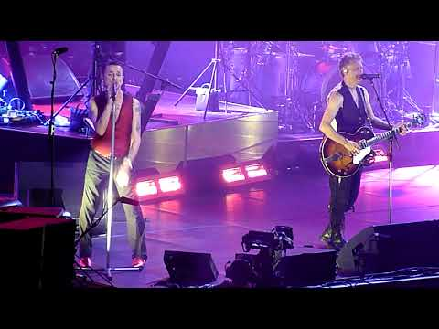 "Depeche Mode performing ""Personal Jesus"" live @ Oracle Arena in Oakland on October 10,2 017"