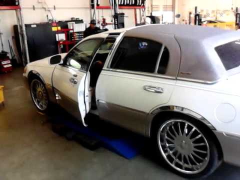 Installed 22 S On Lincoln Town Car Youtube