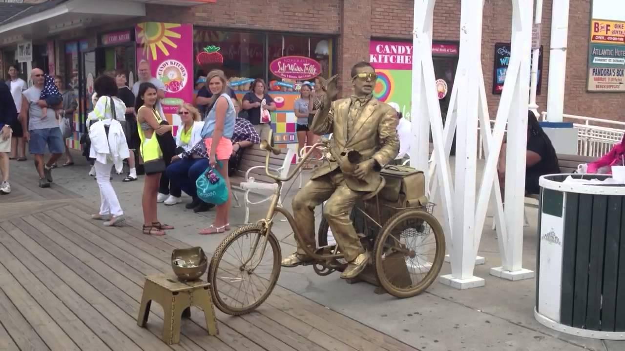 Ocean City Maryland boardwalk preformer Gold Guy - YouTube