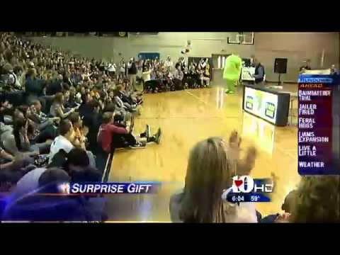 Seymour Middle School wins U.S. Cellular's 2012 Calling All Communities campaign