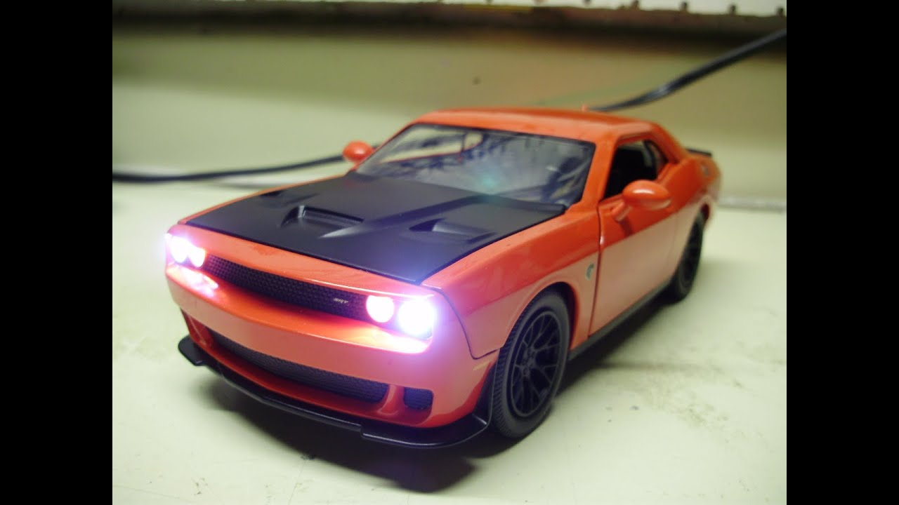 Custom Dodge Challenger Srt Hellcat >> Custom 1:24 DODGE CHALLENGER SRT-8 HELLCAT w/ working headlights & tail lights - YouTube