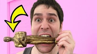 EATING AN OSCAR!!! REAL CHOCOLATE!!