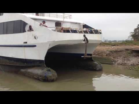 DRY DOCK QUEEN OF GALAPAGOS