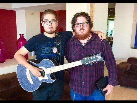 """El Magallanes - Estrenando Bajo Quinto """"Fortaleza Guitars"""""""