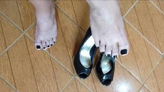 High heel and black toenail. Very Sexy