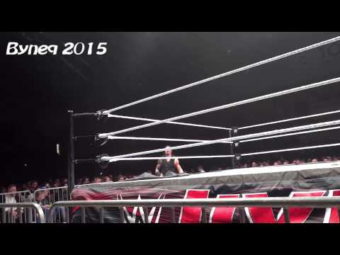 WWE LIVE - Warsaw Poland 15.04.2015 - Main Event Street Fight Big Show vs. Roman Reigns