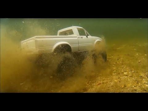 Waterproof RC Truck Underwater Test! FPV 5 Feet Under Water! 4x4 Axial SCX10 RCFRENZY