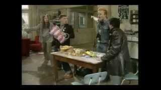 Motorhead on The Young Ones - Ace Of Spades HQ