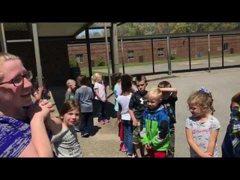 Bess the Book Bus visits Stoner Creek Elementary School