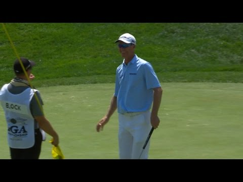 Senden's putt hangs on lip for 20+ seconds, drops in at PGA Championship