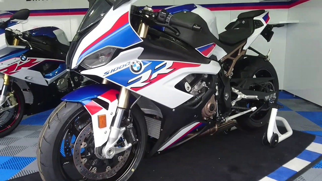 bmw s1000rr 2019 smart vid o en direct de notre essai. Black Bedroom Furniture Sets. Home Design Ideas