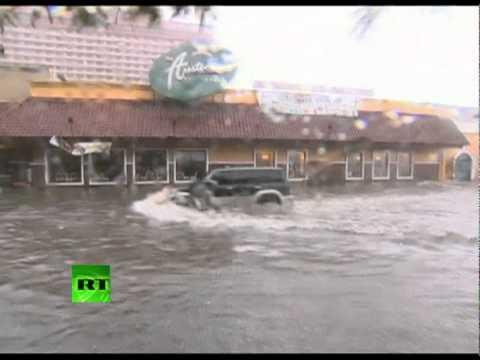 Video of mighty typhoon Nesat lashing Philippines, flooding in Manila