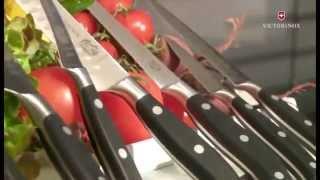 Кухонные ножи Viktorinox Швейцария - часть 4 - видео обзор(Как выбрать швейцарский кухонный нож Викторинокс? Как обращаться с кухонными ножами Викторинокс? И многое..., 2015-03-11T12:48:59.000Z)