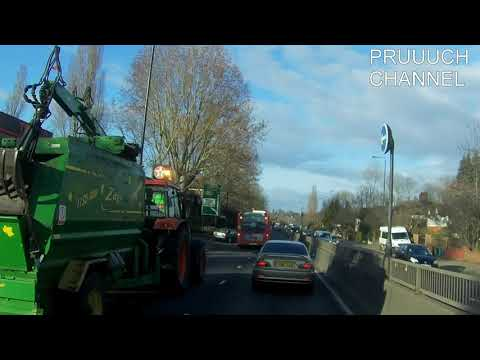 Careless Car Driver almost causes London Bus crash – lack of hazard perception