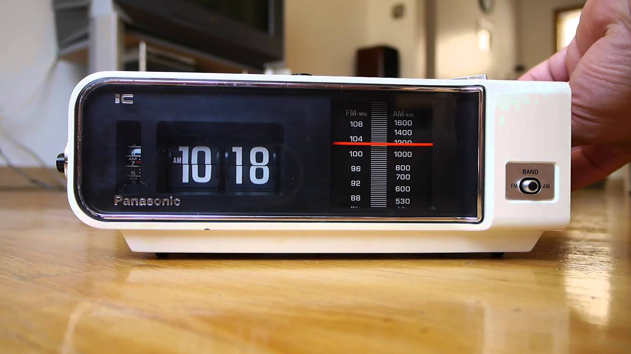 5932216edc9da Panasonic Flip Clock White RC 6003 II - YouTube