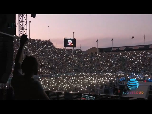 Zedd - Clarity ft. Foxes (Live at LOVELOUD 2018)