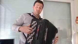 Pierre-Alain Krummenacher interprète un medley traditionnel Russe