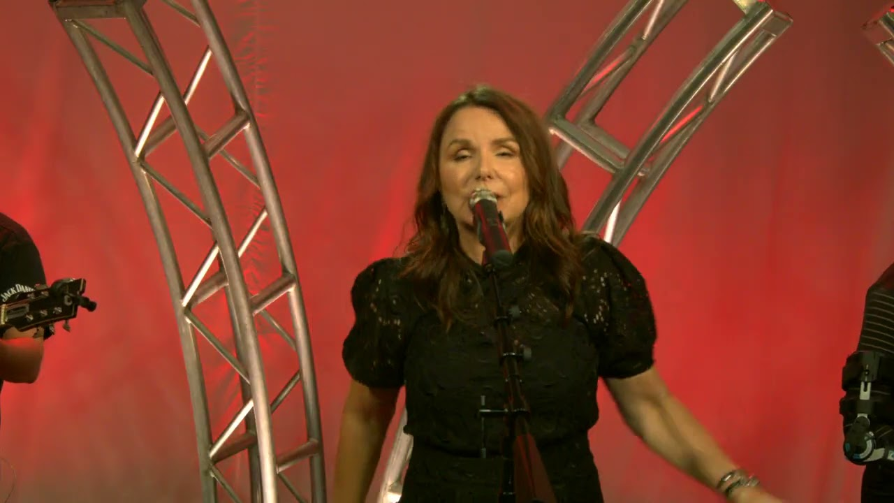 """Download Patty Smyth - """"The Warrior"""" (Official Live Video)"""