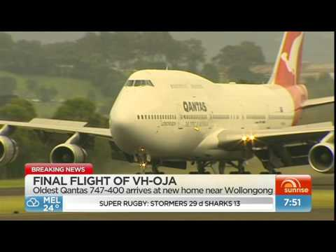 VH-OJA Landing at Illawarra Airport (Albion Park)
