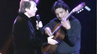 En el espectacular concierto del 18 Noviembre del 2009 Raphael cant...