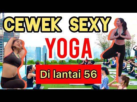 CEWEK-CEWEK SEXY YOGA CLASS DI SKYE Jakarta | lantai 56