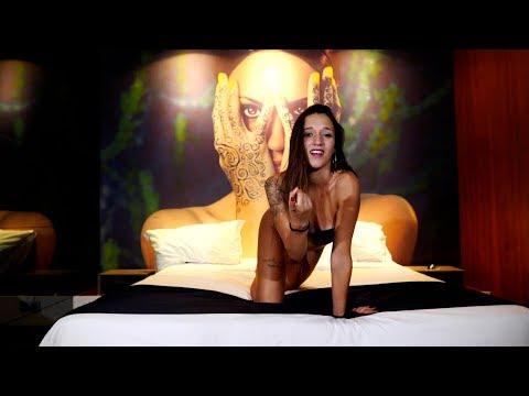 Mota Jr - Chama as Amigas ft Mascotte (Video Official) AfroFunk