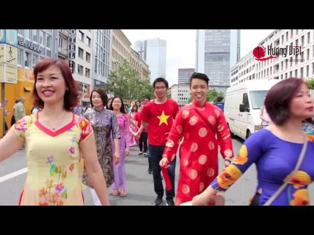 Người Việt tham dự Lễ hội diễu hành kết nối đa văn hoá tại Frankfurt am Main
