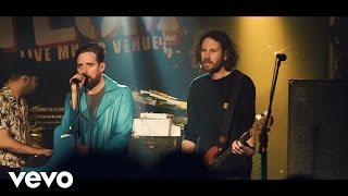 Kaiser Chiefs - We Stay Together (Absolute Radio Live)