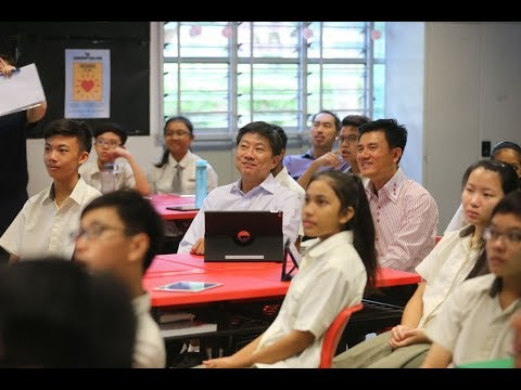 Ng Chee Meng uses learning portal with Admiralty Secondary students