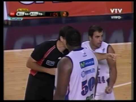 Michael Sweetney, 4th Qtr (pt2) - (Atletico Biguá) - 02-17-11