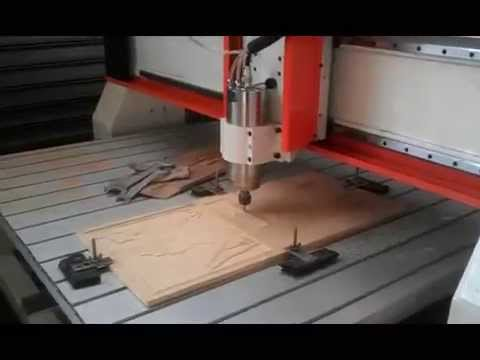 machine de gravure sur bois cnc router youtube. Black Bedroom Furniture Sets. Home Design Ideas