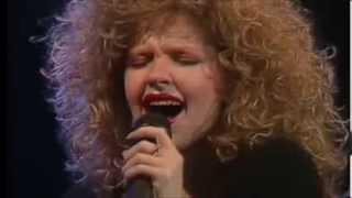 Andrea Del Boca canta en TeleManías - Extraño (1988)
