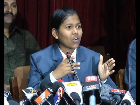 malavat purna the youngest girl from india to climb mount everest  MUNSIF TV