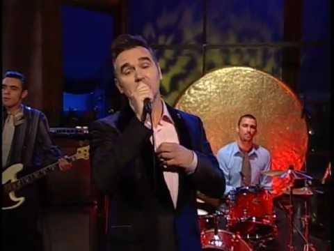 Morrissey - Let Me Kiss You (Live 8-24-04)