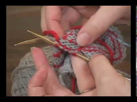 Carrying Yarn up the Sides While Knitting in the Round - YouTube