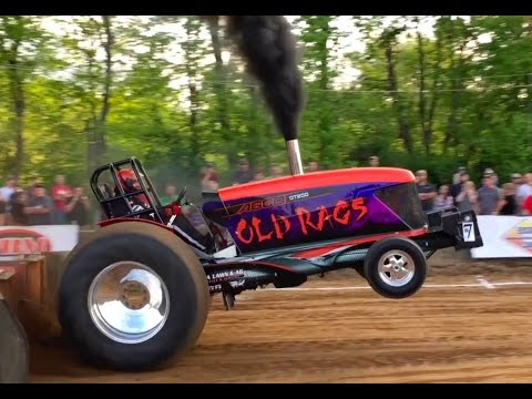 Awesome Tractor and Truck Pull