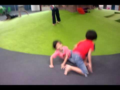 video - 2011-12-08-14-27-30.mp4
