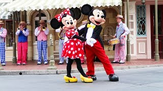 Mickey & Minnie dance on Main Street! | Disneyland vlog #30