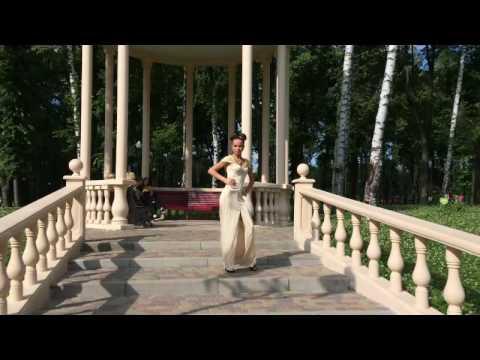 Ультрамодное платье с капюшоном от VISION fs