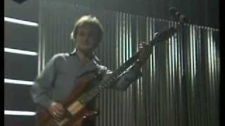 Kinks - Destroyer 1981 Met a girl called lola and I took her back t...