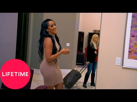 The Mother/Daughter Experiment: Heidi Montag Shows Up Drunk |  | Lifetime