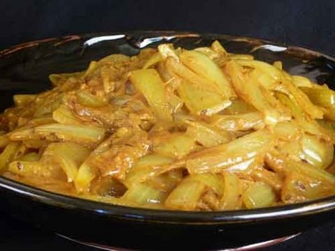 Kande ki subzi onion subzi rajasthani cuisine indian recipe kande ki subzi onion subzi rajasthani cuisine indian recipe forumfinder Images