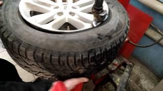 видео Как заменить автомобильную шину?